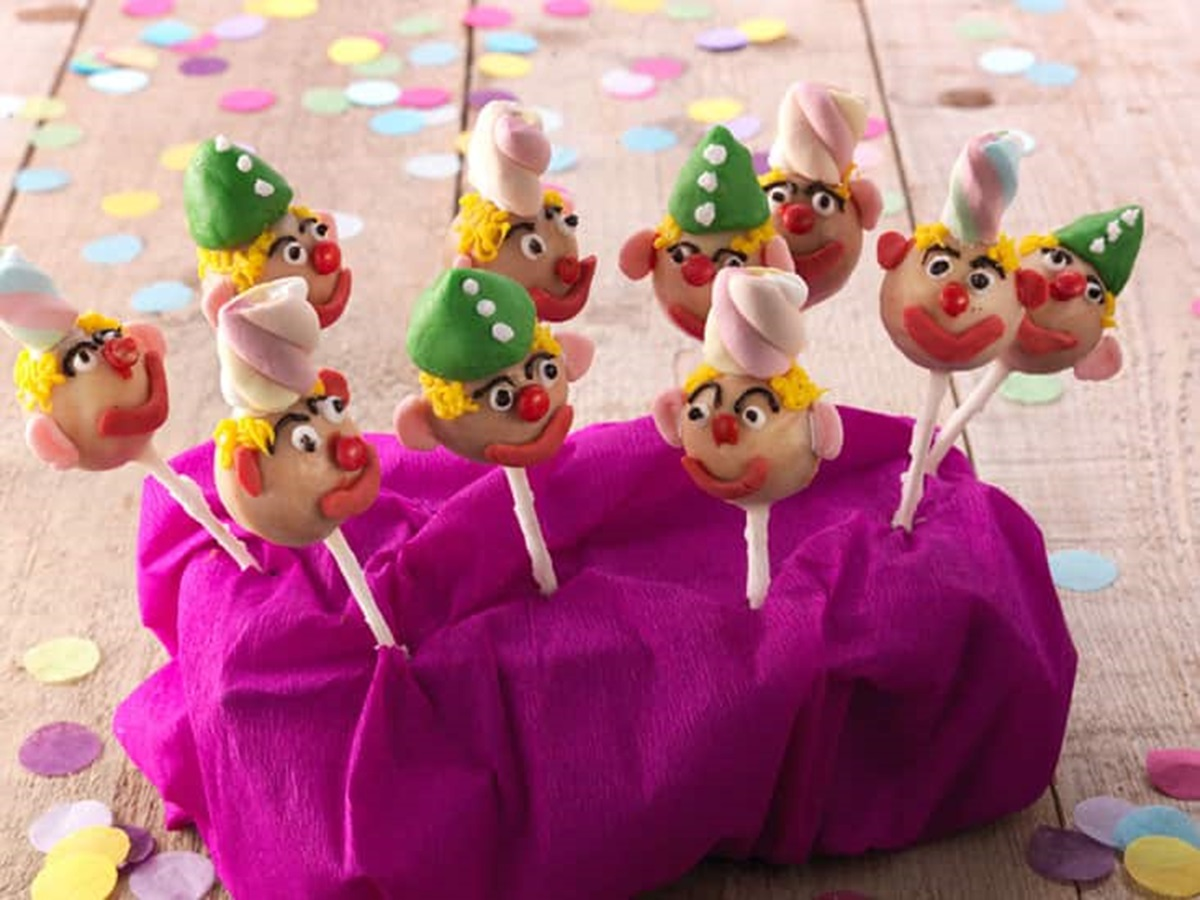 recipe image Kindertraktatie: clowntjes cakepops
